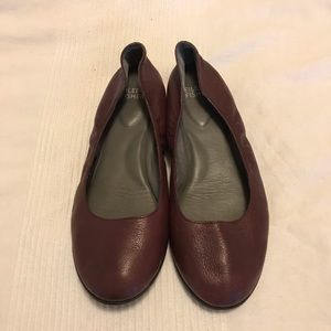 Eileen Fisher grape leather flats slip ons size 7